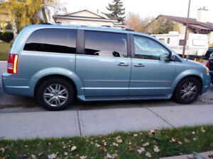 2010 Chrysler Town & Country Limited Edition Minivan