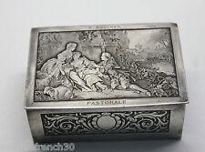 Ancien coffret boite à bijoux métal argenté scène Pastorale F.Boucher B.Wicker?