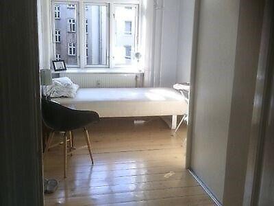 2200 værelse, kvm 51, mdr forudbetalt leje