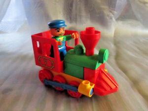 Lego-Duplo-Eisenbahn-Lok-Schaffner-Zugfuehrer-aus-3770-Mein-erster-Zug-Schiebelok