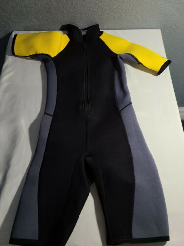 NRS Child/'s Small Youth Wetsuit Titanium Small Shorty Wetsuit