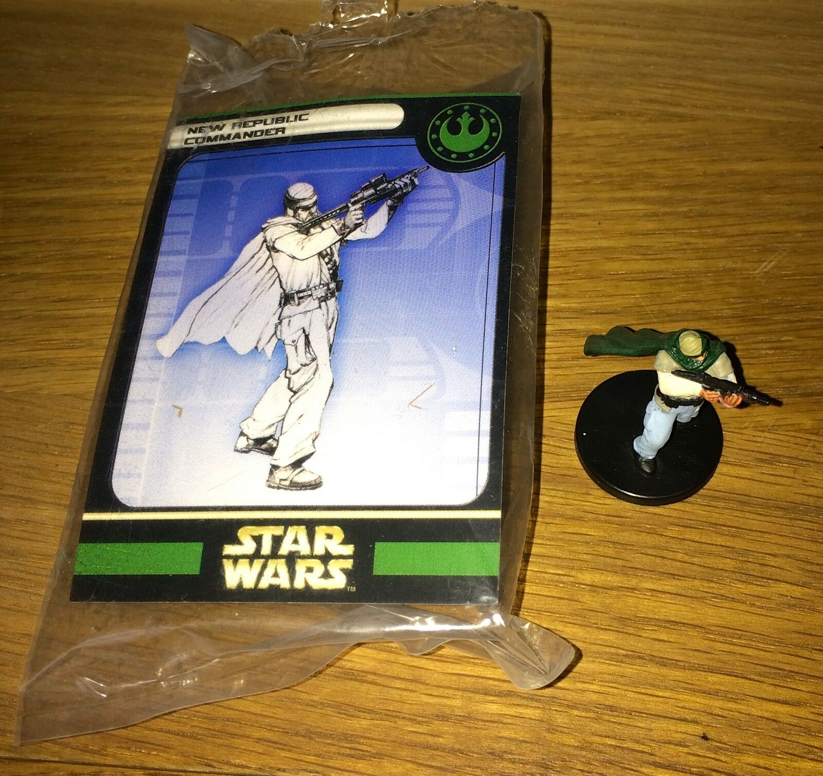 Star Wars Miniatures New Republic Commander Promo - very scarce Spain AoE 2006