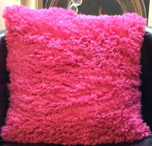 Pink-Soft-And-Woolly-With-Velour-Feel-Back-Evans-Lichfield-Cushion-Cover