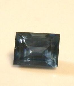 Natural-Australian-earth-mined-blue-baguette-sapphire-0-31-carat