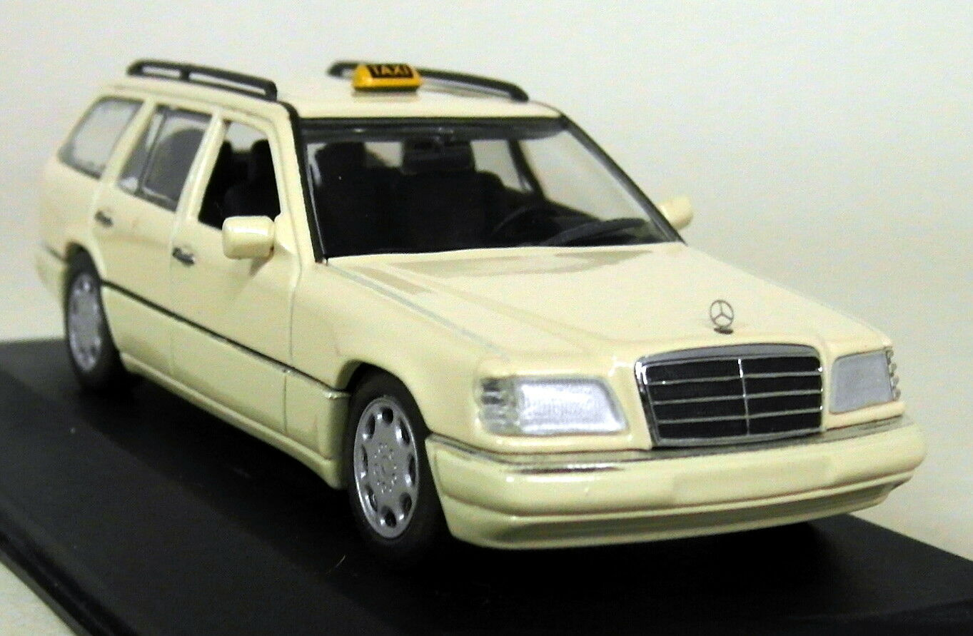 MINICHAMPS 1 43 Scale 430 033596 MERCEDES BENZ E-Classe Break Taxi 94 Diecast Voiture