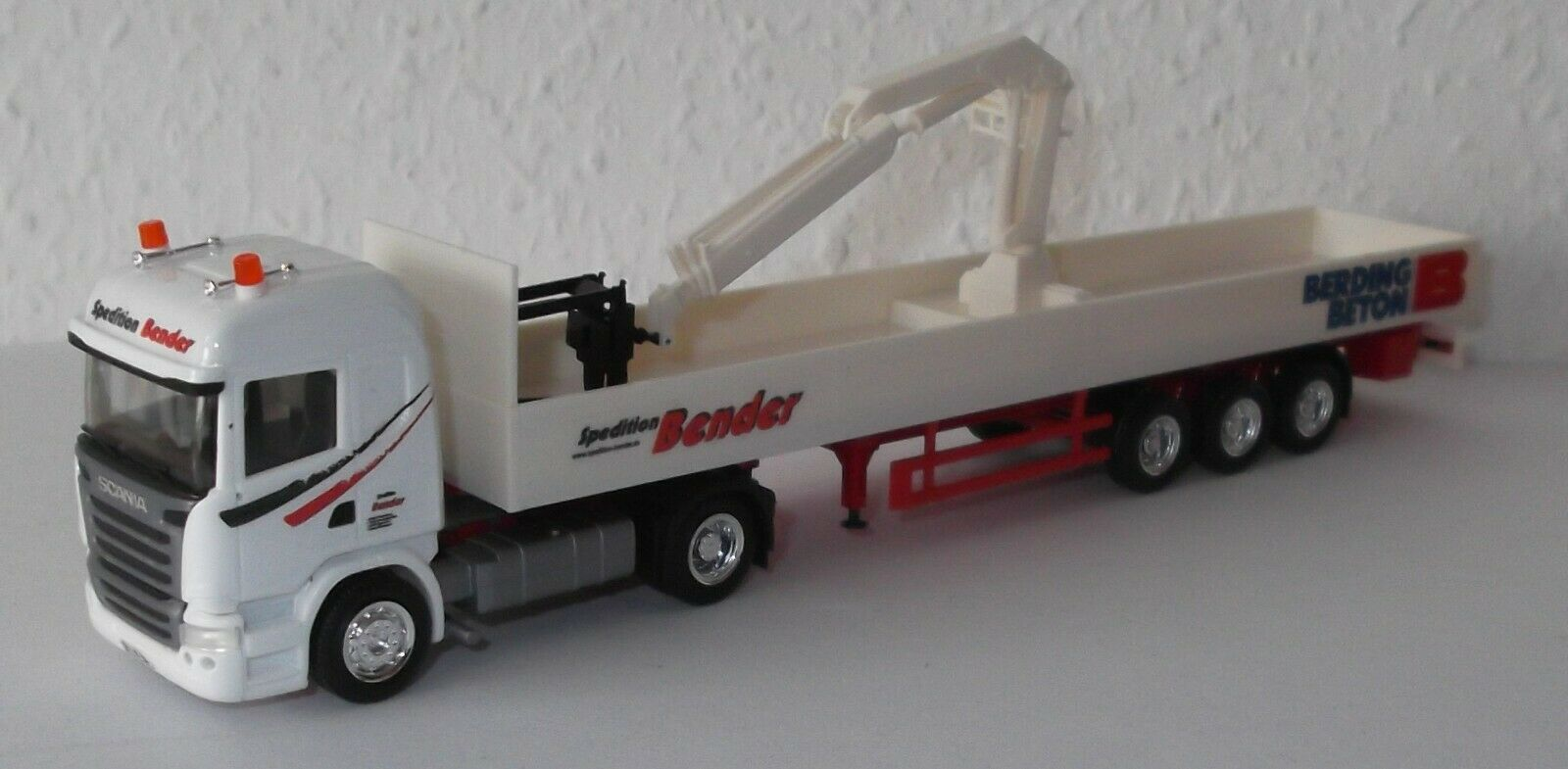 Herpa scania r`09 hl transportista Bender baustoffsattelzug con grúa berding hormigón