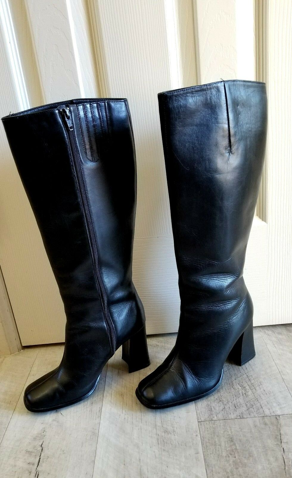 newport news women's 3.5 inches knee high boots size 8M black full zip closure