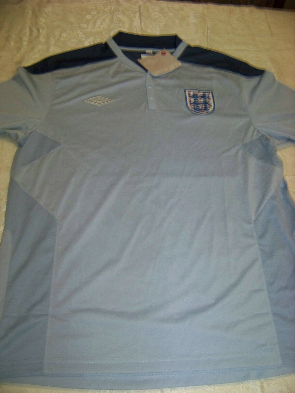 Umbro England Men's Soccer Jersey NWT