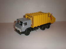 1/43 Russian garbage truck KO-427 on chassis KAMAZ 53212