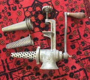 Antique-Cast-Iron-Fruit-Juicer-Grinder-CHICAGO-1920-30s-American-Utensil-Co-A1