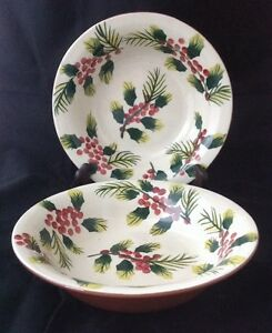 2-Wendover-Lane-Rimmed-Soup-Cereal-Bowls-Christmas-Holly-Handpainted-Design