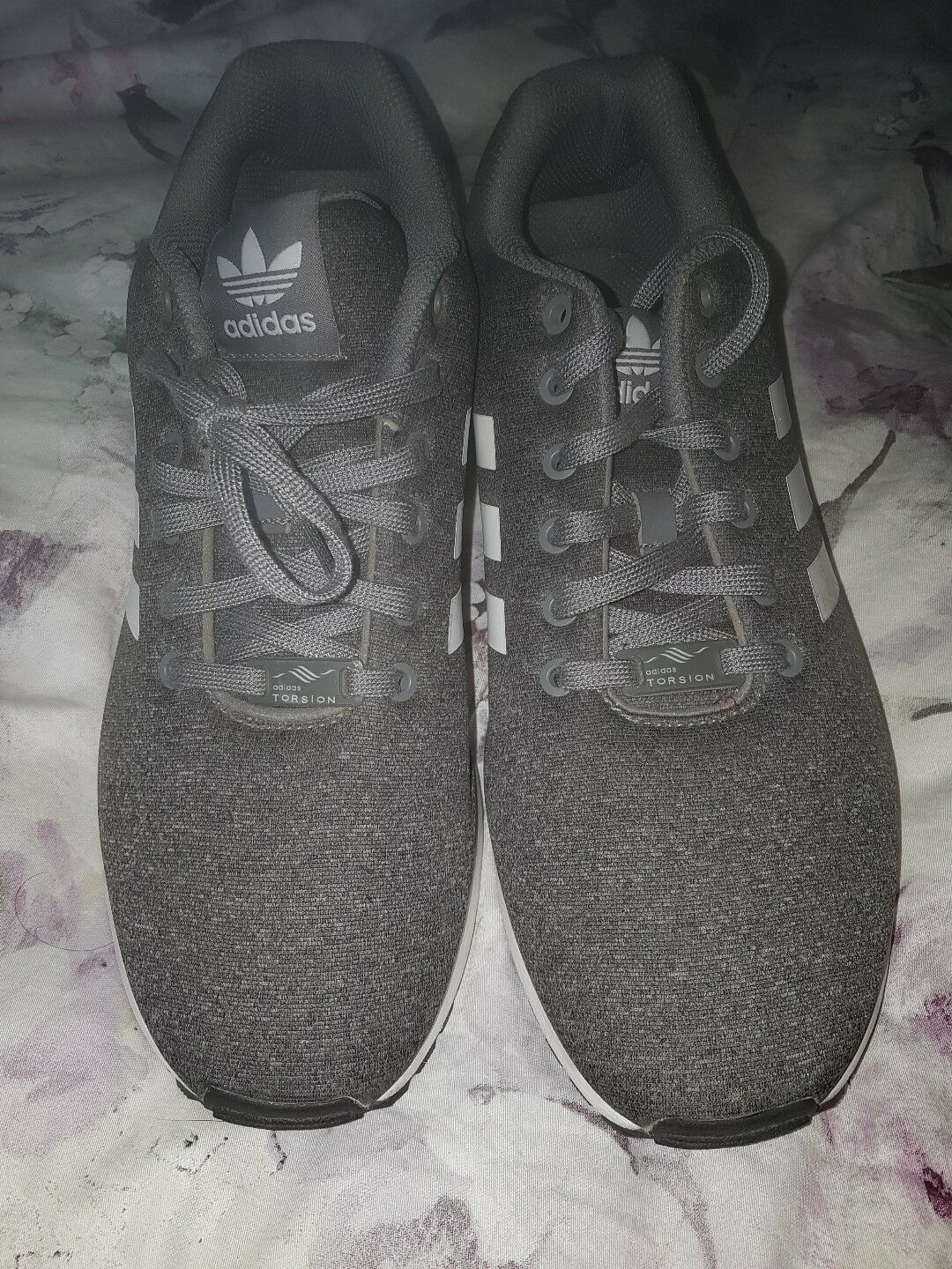 Mens adidas grey torsion trainers size 10.5 look new wore once