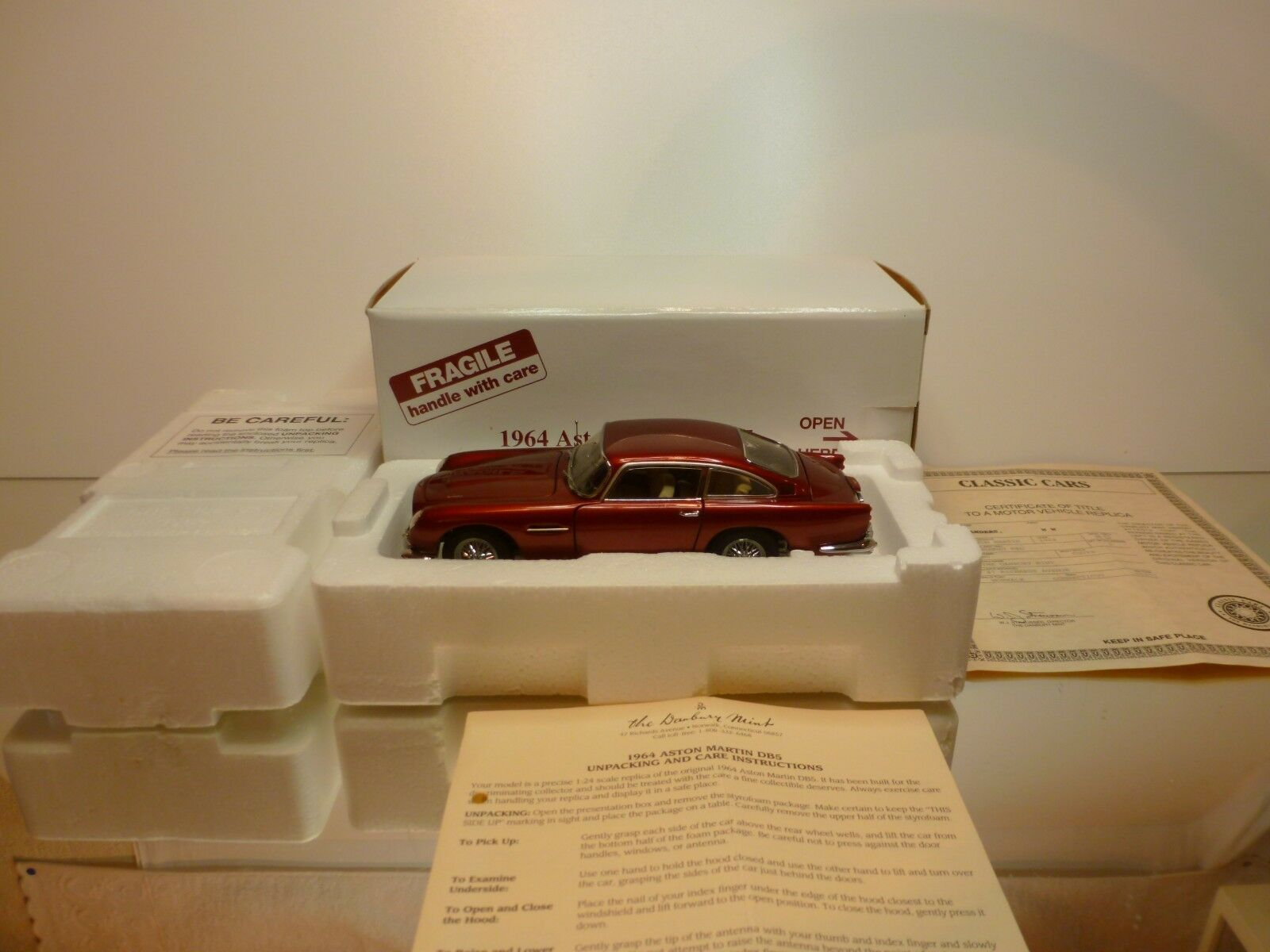 DANBURY MINT ASTON MARTIN DB5 1964 1 24 - EXCELLENT IN BOX