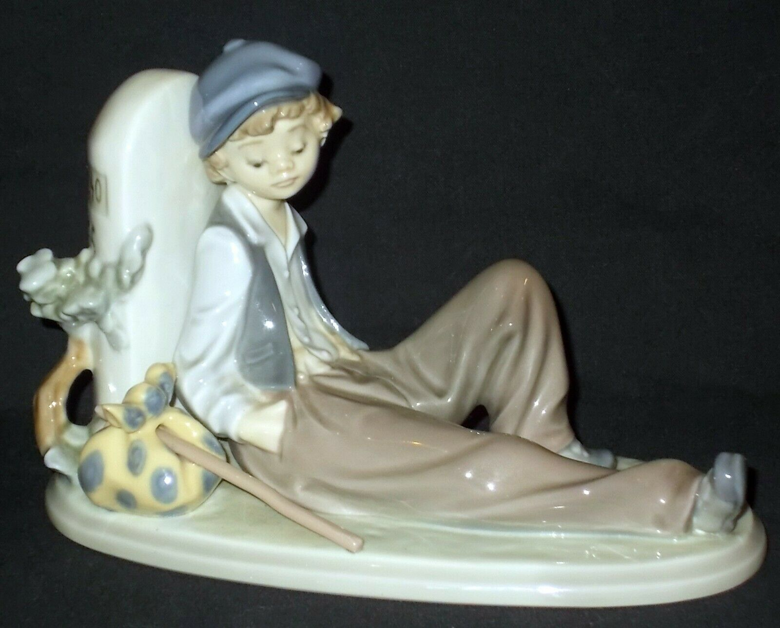 Image 1 - Lladro-TIME-TO-REST-5399-Figure-Made-in-Spain
