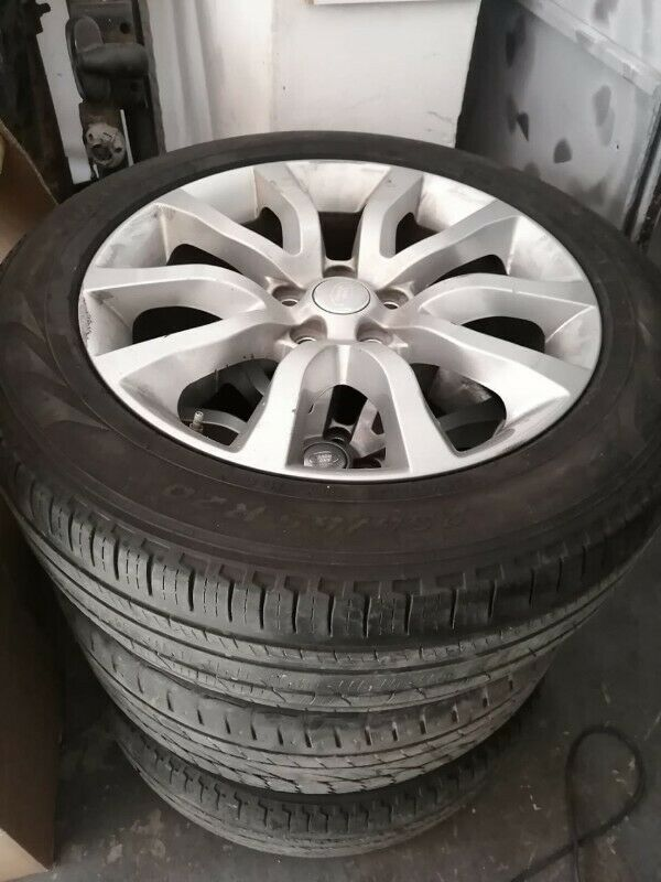 Set of Land Rover 20 Inch Mags and Tyres for sale