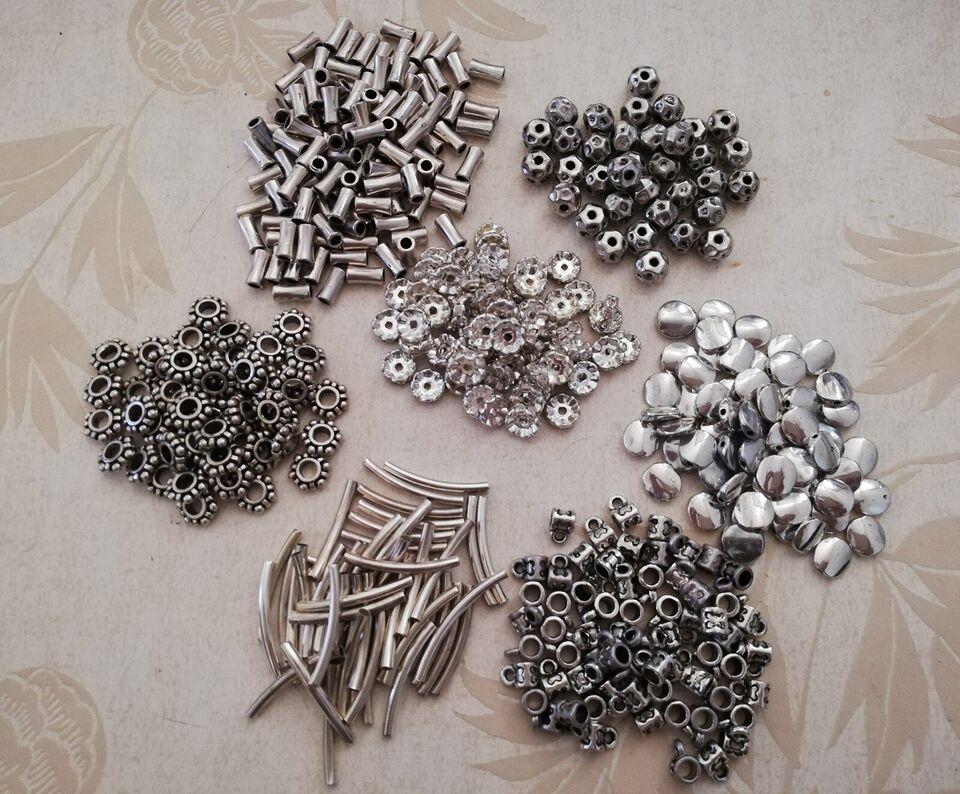 Smykkefremstilling, Smykke materiale