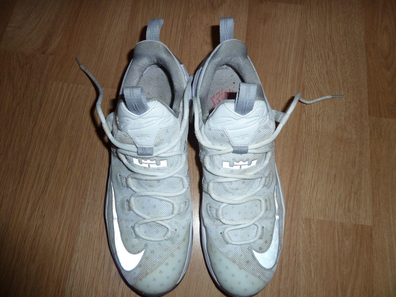 Nike Lebron XIII Low 831925-100 White Metallic Silver Light Iron Sneaker Size 11