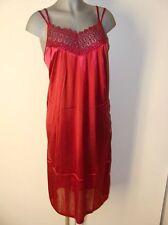 Süßes Negligee Nachthemd Satin Glanz Gr 52 / 54 rot mit Stick Verzierung IV