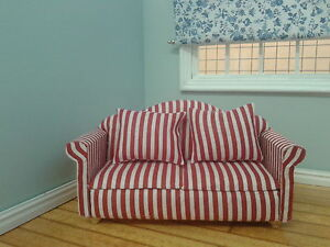 Dolls House Miniatures 1/12th Scale Red & White Striped Sofa (DF214 ...