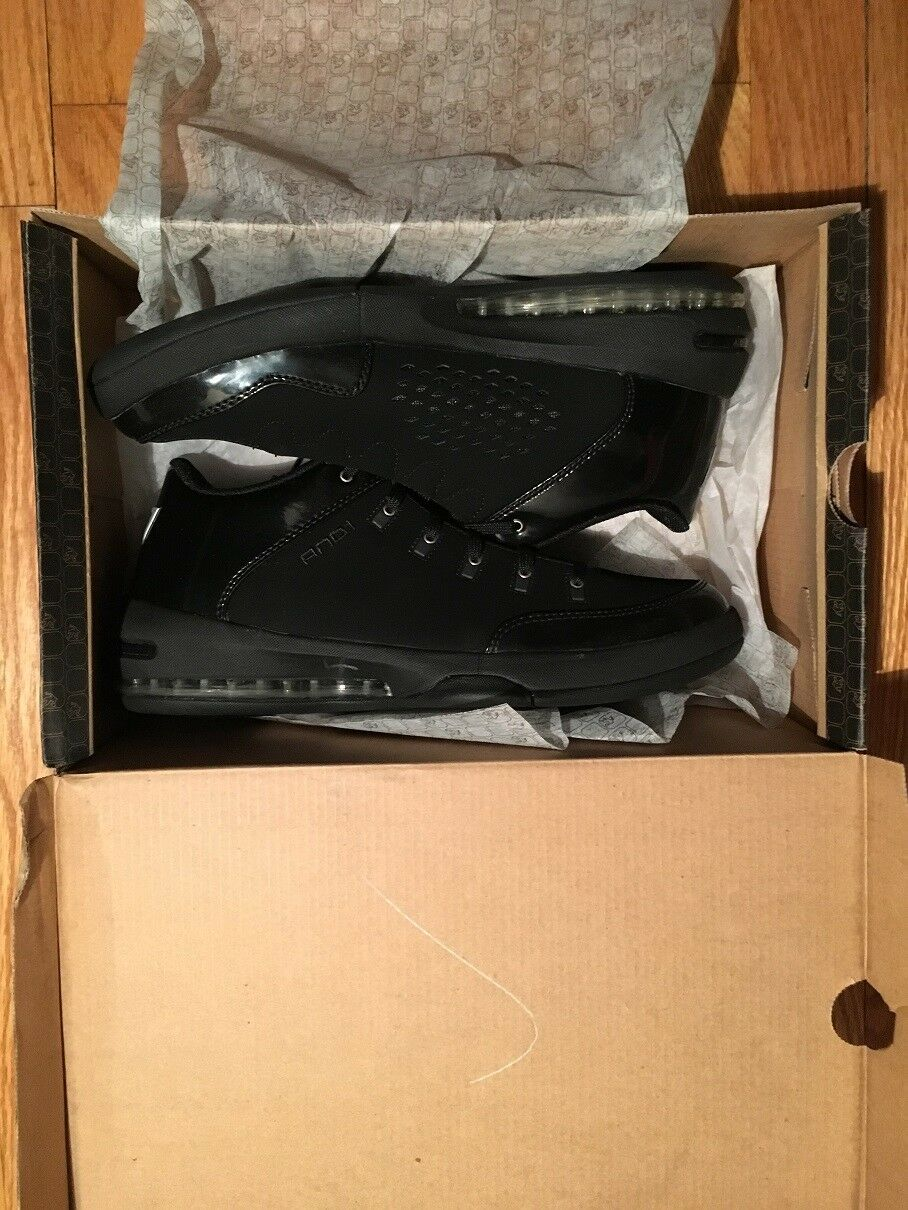 And 1 L2G low,  Men Size 8.5, black silver, new with box