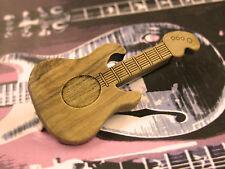 Spilla Chitarra Elettrica in Legno Ulivo Olive Wood Electric Guitar Pin Brooch