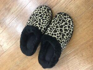 Small 5-6 Cheetah Print Slippers | eBay