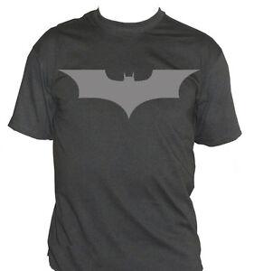 fm10-camiseta-de-hombre-BATMAN-Bruce-Wayne-Logo-estampado-plata-CINE-Y-TV