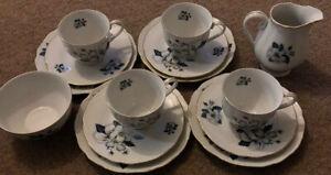 Victoria-China-Czechoslovakia-Vit-11-Tea-Set-For-4-Floral-Design-With-Gold-Edge