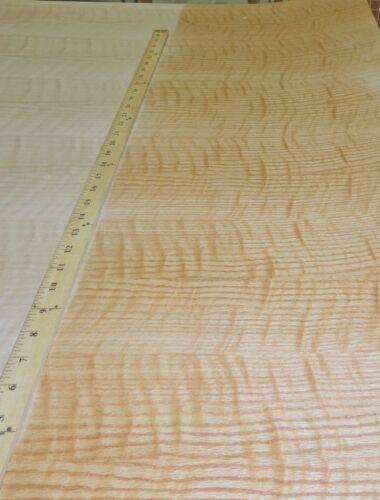 "Red Oak Figured Tiger Flame wood veneer sheet 24/"" x 24/"" with paper backer 1//40/"""