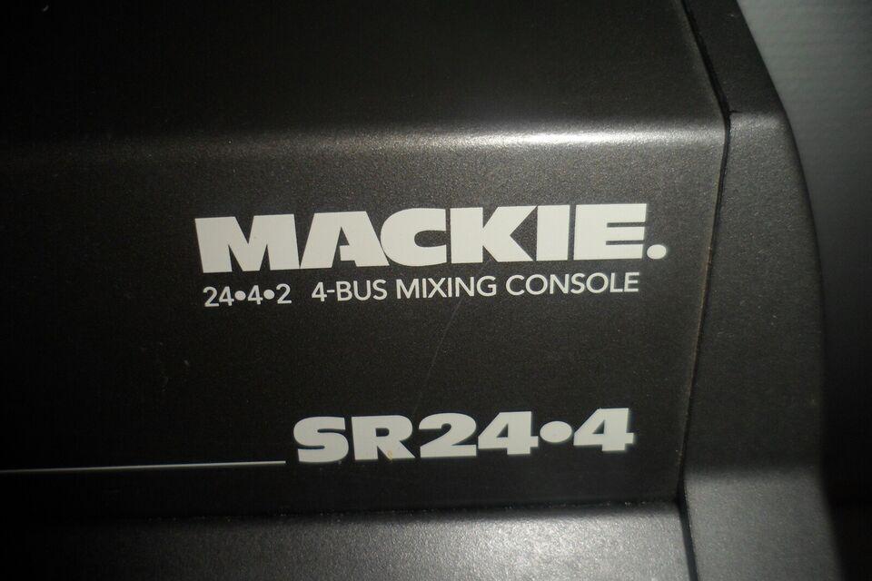 Studie/PA mixerpult, Mackie SR 24-4.