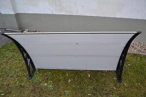 Schwarze arme haust r fenster vordach balkon berdach pultvordach 120 x 100 cm ebay - Schwarze fenster ...