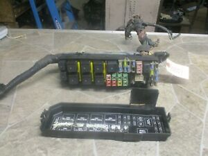 2001-2004 MAZDA TRIBUTE Engine Fuse Box RELAY PANEL ...
