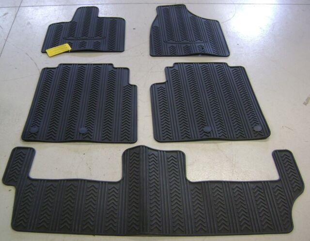 2013 2016 Chrysler Town Country Minivan Rubber Slush Style Floor Mats Oe Mopar