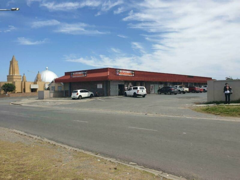 New Release!  Fully tenanted mixed use commercial property perfectly positioned in Braelyn.  FOR ...