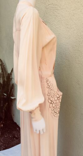Divine 1930's Peach Hostess Gown Amazing Trapunto