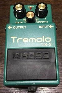 Used-Boss-Tremolo-TR-2-Tremolo-Guitar-Effect-Pedal-Free-Shipping-from-JAPAN