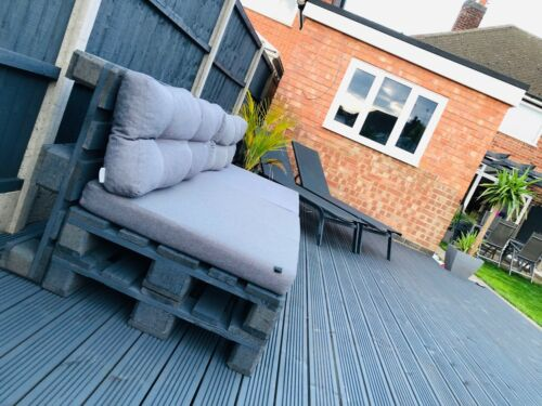 Outdoor Garden Chairs//Table Patio Grey Pallet Furniture