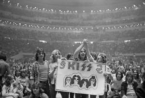 OLD-PHOTO-of-KISS-ARCHIVES-Gene-Simmons-Paul-Stanley-Ace-Frehley-Peter-Criss-441