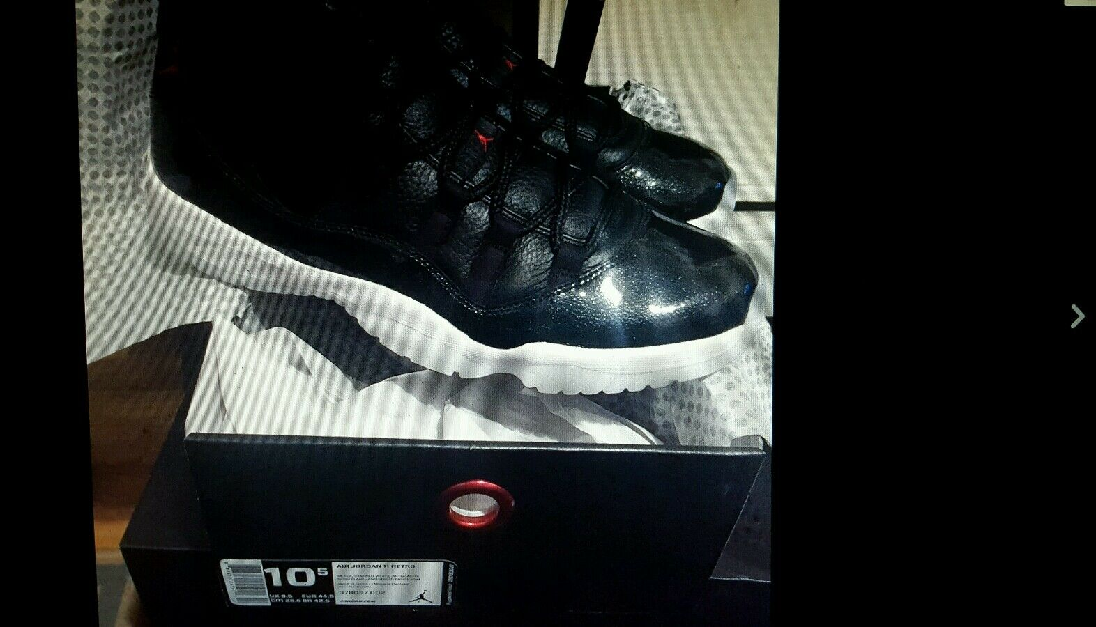 Nike Air Jordan 11 Size 10.5 72-10 Bred Retro 11