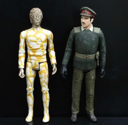 LOT of 2 Doctor Who GOLD HUMANOID AXON THE BRIGADIER THE CLAWS OF AXOS FIGURE #T