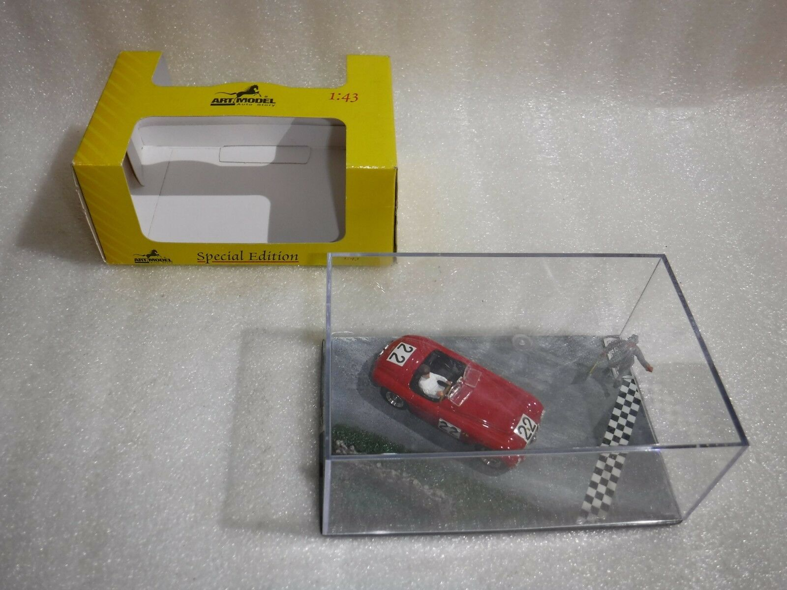 Art Model  ART909 Ferrari 166 Spider LTD Edition Model Car Diorama Scene