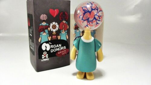 BLOOD PLASMA  vinyl figure Organ Donors by David FOOX /& ESC