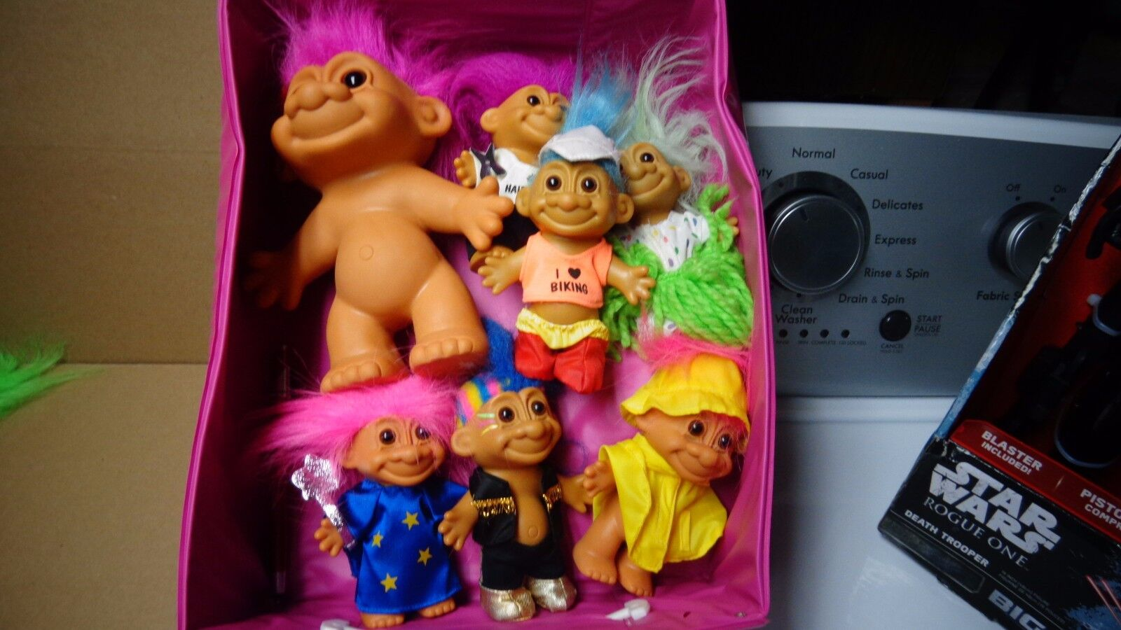 LOT OF 23 RARE HARD TO FIND TROLL DOLLS DAM, RUSS-BERRIE,BRIGHT OF AMERICA,ACE N