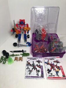 TRANSFORMERS Construct Bots OPTIMUS PRIME VS MEGATRON Total 135 Pieces