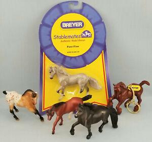 Breyer-Stablemates-Friesian-Quarter-Horse-Paso-Woodgrain-BF-Keychain-Model-Toy