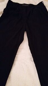 Ladies-Black-Silky-Pleat-Front-Trousers-by-Dorothy-Perkins-Size-6