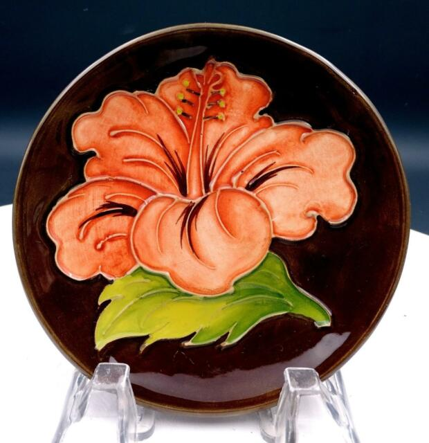 MOORCROFT POTTERY ENGLAND BROWN GREEN & CORAL HIBISCUS 4 3/4