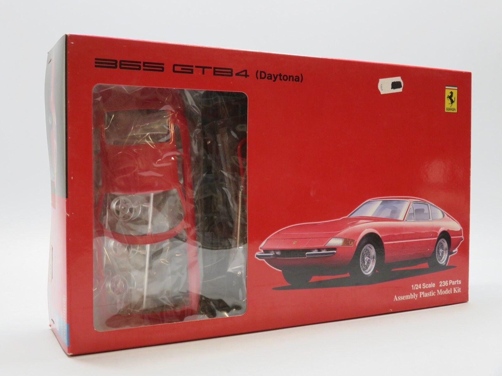 Fujimi 08257 1  24 Ferrari 365 GTB4 Daytona
