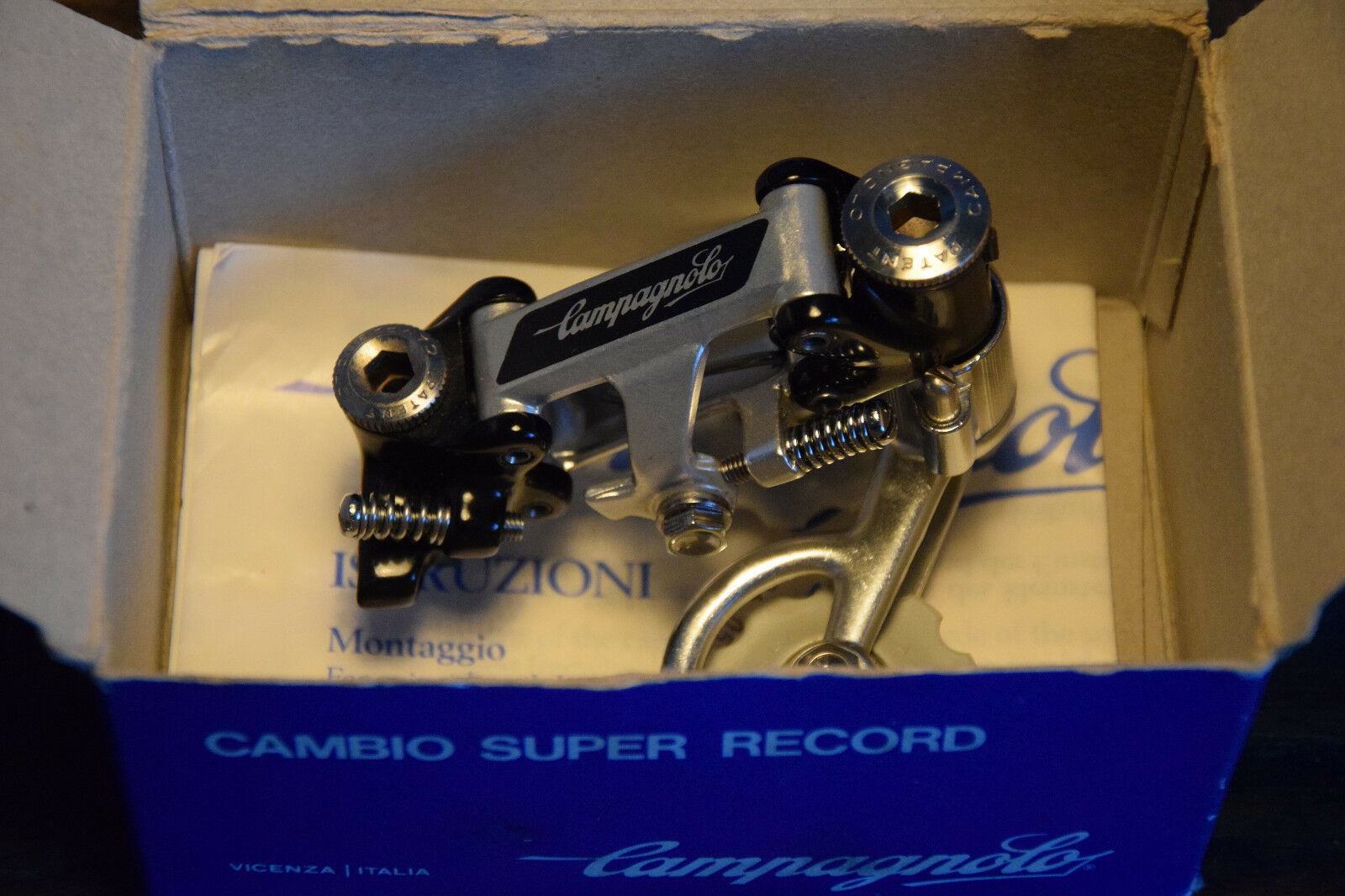 CAMPAGNOLO Deragliatore Super Record NOS NIB no Pat. from 1987 REAR DERAILLEUR