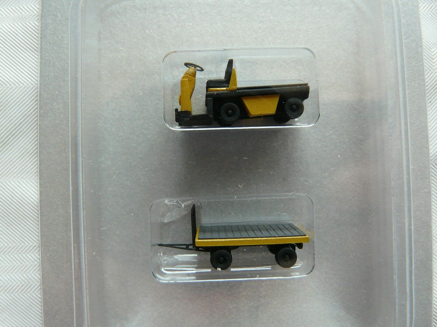 Miniatur MT07 Spur TT Fertigmodell Set Bahnsteigkarren + Anhänger yellow Pritsche